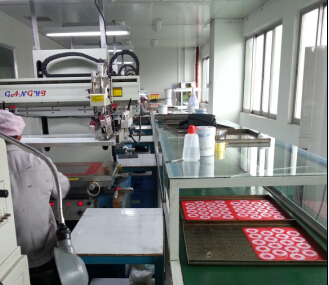 USSE silicone mat manufacturer is a factory that able to deploy their own food grade silk screen printing ink.