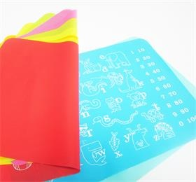 USSE this silicone placemat for kids. Easy to carry that can provide a clean surface wherever you go.
