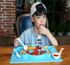 Cute baby silicone placemat! Easy to clean, suitable for travel